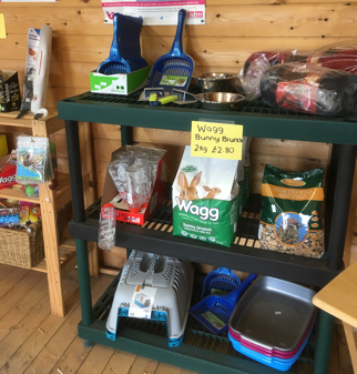 Radmore Farm Cattery - Pet food in The Pet Cabin